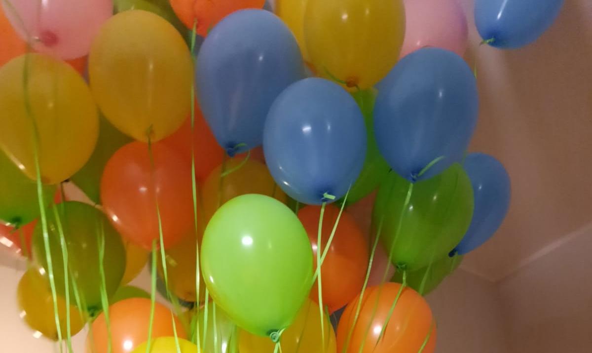 Ile helu potrzeba do napełnienia balonu?